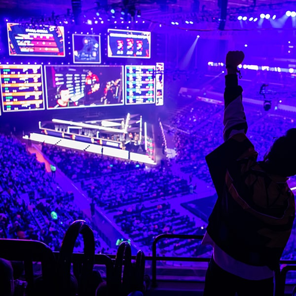 big-esports-event-video-games-fan-on-a-tribune-at-min